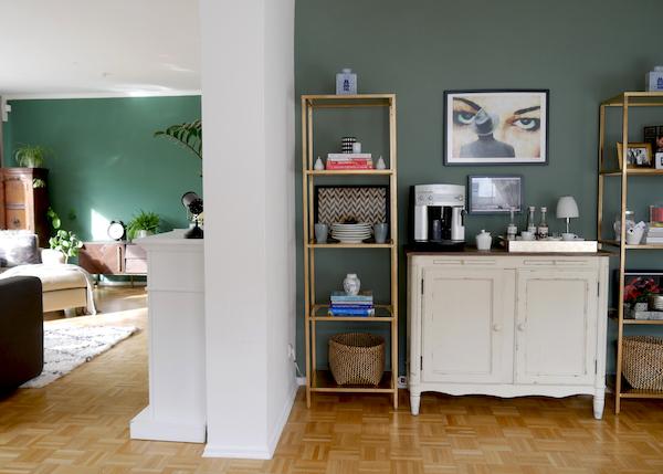 Green walls, feature wall, coffee corner moody art allthelittledetails.de